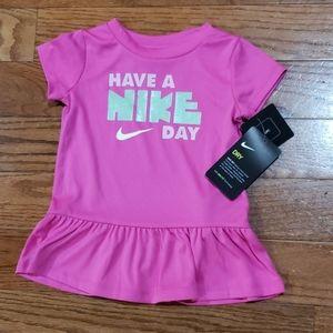 🚨3/$20 🆕️ NIKE 18m pink shirt